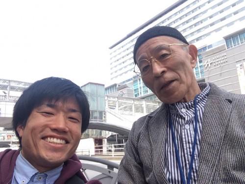 お客様と小倉駅前で記念写真